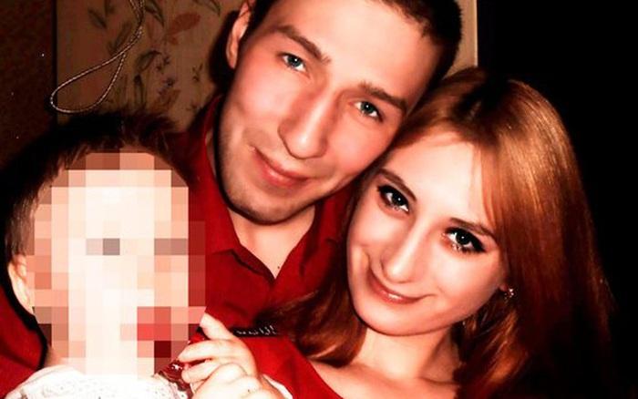 Bố mẹ chết vì ngộ độc dưa muối, 2 đứa trẻ ngủ cạnh thi thể ba ngày