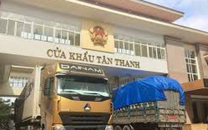 Hàng chục xe trái cây chờ thông quan sang Trung Quốc - xs thứ bảy