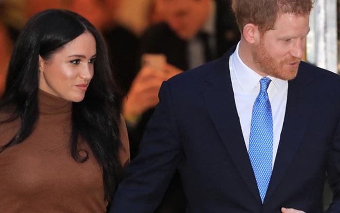 Chuyên gia hoàng gia: Harry không lường được phản ứng của Nữ hoàng