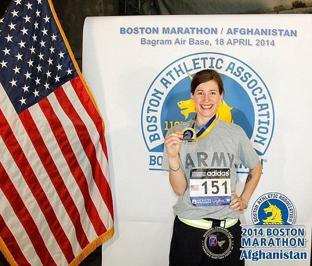 Kathryn từng giành được huy chương tại giải marathon Boston, diễn ra ở Afghanistan tháng 4/2014