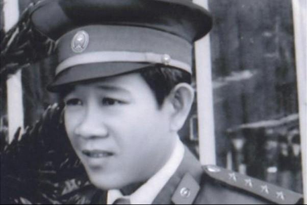 Huyền thoại SBC Võ Tấn Thành hồi còn trẻ, khi ông nắm giữ cương vị đội trưởng 1 trong 5 đội SBC thì đàn em của ông, huyền thoại SBC Lý Đại Bàng, mới đầu quân làm trinh sát cho đội SBC Q.5.