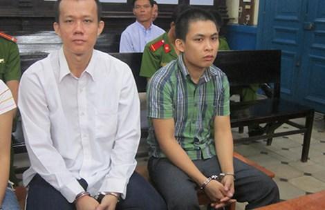 Bị cáo Việt và bị cáo Sang tại tòa phúc thẩm. Ảnh: HY