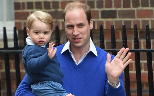 Hoàng tử bé George và Hoàng tử William. Ảnh: Eddie Mulholland