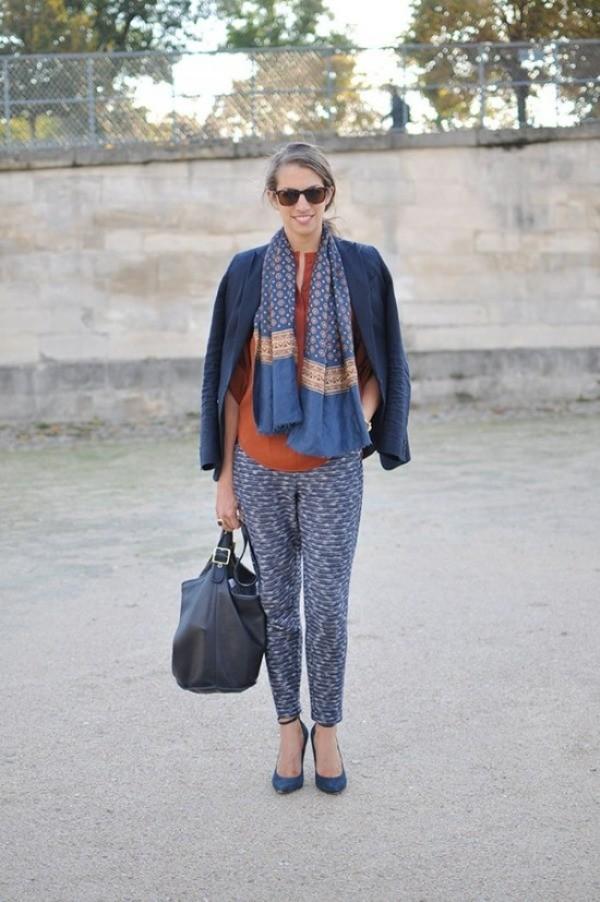 Hãy khéo léo kết hợp với một chiếc blazer thời thượng, hoặc thiết kế vải tweed cũng là một ý tưởng cực kỳ hay ho khi mix cùng quần âu.
