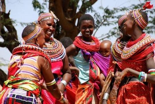 Phụ nữ ở ngôi làng Umoja. Ảnh: HowAfrica