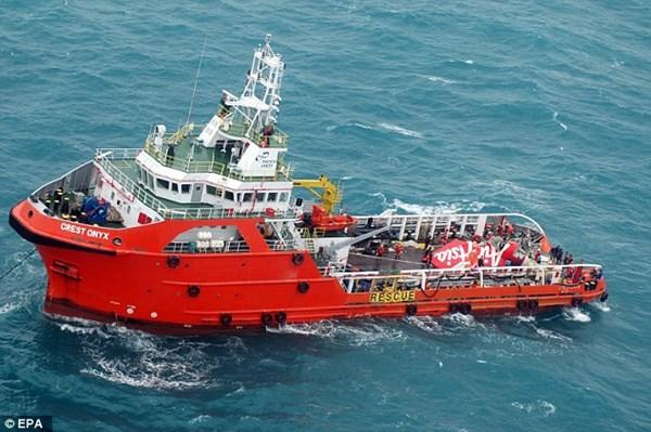 Tàu cứu hộ, cứu nạn tiếp tục tìm kiếm.