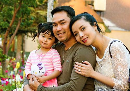 Hồng Loan cùng chồng và con gái nhỏ có cuộc sống hạnh phúc, êm ấm tại Mỹ.