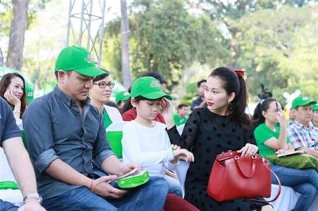 Kim Hiền hạnh phúc khoe bụng bầu 3 tháng bên chồng con - 16