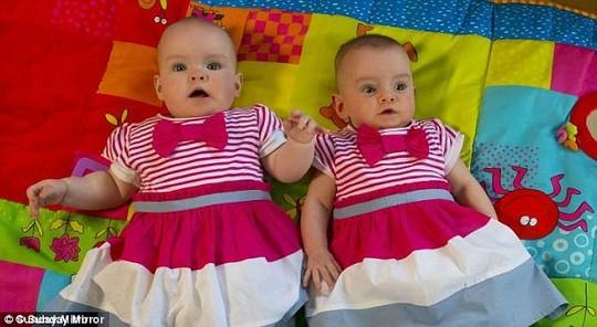 Đến cuối tháng 1-2015, hai bé đạt trọng lượng 2,2 kg và 2,9 kg.