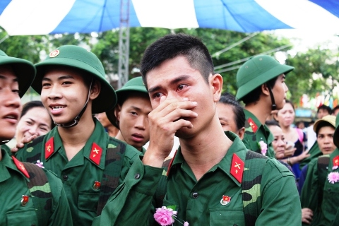 Luật Nghĩa vụ quân sự quy định độ tuổi gọi công dân nhập ngũ trong thời bình từ 18 tuổi đến hết 27 tuổi.  Ảnh: Đàm Đệ/VietnamNet
