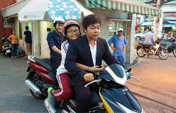 Quang Lê và con gái nuôi1