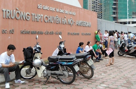 Hà Nội: Bốn trường THPT chuyên tổ chức thi tuyển bổ sung vào ngày 15/1 - Ảnh 1.