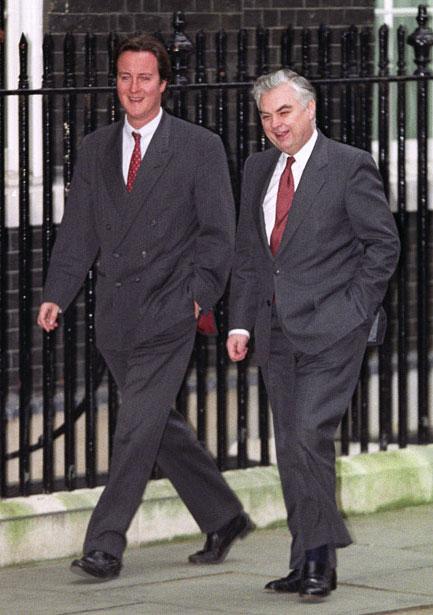 Vào tháng Giêng năm 1993, ông Cameron 26 tuổi làm cố vấn đặc biệt cho Bộ trưởng Tài Chính Norman Lamont