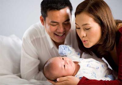 Năm 2007, bé Tiểu Long chào đời trong niềm hạnh phúc của hai vợ chồng Thanh Long và Anh Thư