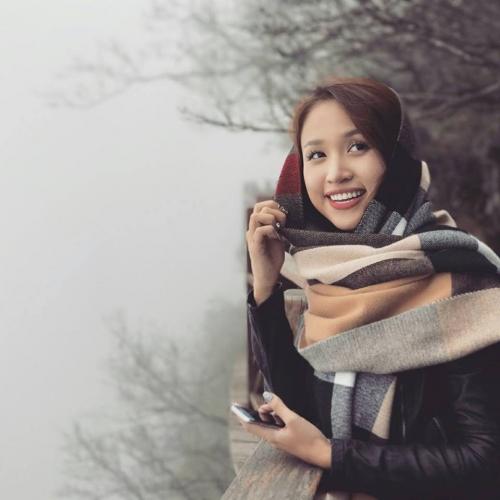 Vân Hugo - Bà mẹ đơn thân bãn lĩnh của showbiz Việt.