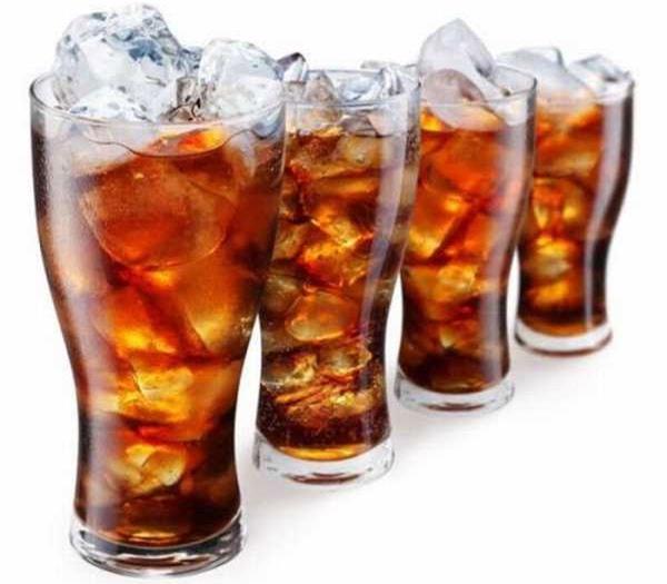 Trên thực tế, hầu hết các loại nước ngọt đều có chứa soda - chất làm acid hóa cơ thể và nuôi dưỡng các tế bào ung thư. (Ảnh minh họa).