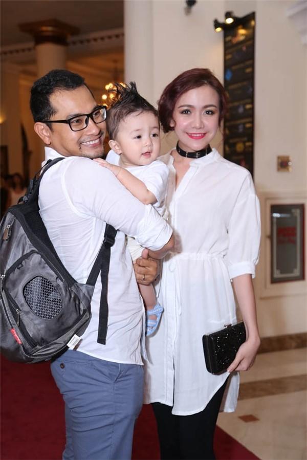 Huỳnh Đông dành nhiều thời gian cho vợ con. Ảnh: NVCC.