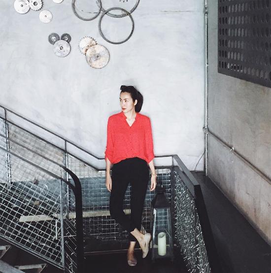 Không chỉ nổi tiếng vì nhan sắc, tài năng, gu thời trang thanh lịch và kín đáo của Tăng Thanh Hà cũng được công chúng yêu thích.