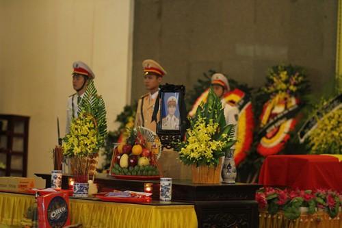 Lễ tang của chiến sĩ Trần Văn Vang được tổ chức theo nghi lễ Công an nhân dân. Ảnh: PV