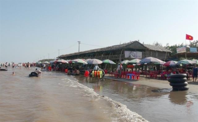 Một góc bãi biển trong khu du lịch sinh thái Cồn Vành (Thái Bình).