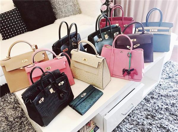 Không chỉ tập trung tiền cho những khoản chi tiêu lớn như mua nhà, sắm xe, nuôi con mà nhờ đắt show, Bảo Thanh cũng không tiếc tiền cho sở thích túi xách hàng hiệu của mình.