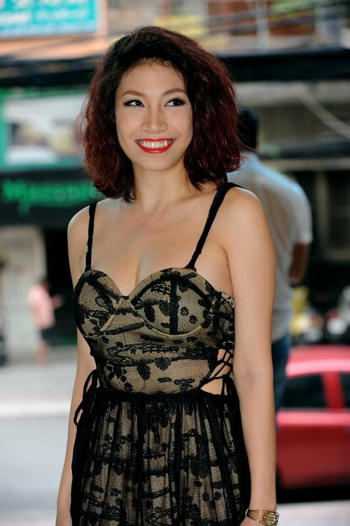 Pha Lê phản pháo khiến Dương Yến Ngọc phải đăng đàn xin lỗi