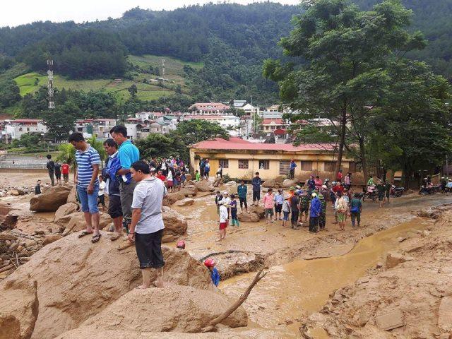 Khu vực lũ quét chạy thẳng từ trên núi xuống thị trấn Mù Cang Chải. 32 ngôi nhà đã bị cuốn trôi, ước tính thiệt hại 150 tỷ đồng. ảnh: Cao Tuân