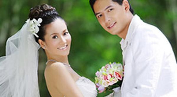 Ngày 15/4/2008, sau một thời gian tìm hiểu, Bình Minh và Lê Anh Thơ đã tổ chức đám cưới trong sự chúc phúc của gia đình và bạn bè đồng nghiệp. Họ đã vượt qua những định kiến về giàu nghèo để đến với nhau.