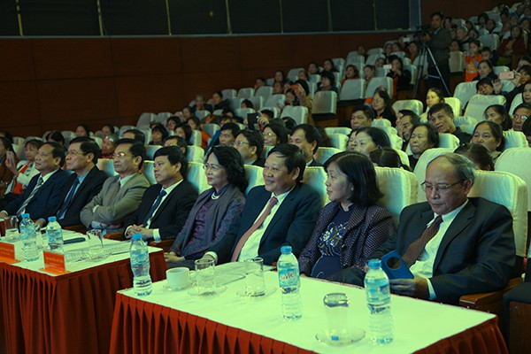 Các đại biểu tham dự Lễ Mít tinh phát động Tháng hành động Quốc gia về Dân số và Ngày dân số Việt Nam.