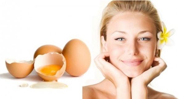 Lòng trắng trứng là một trong những loại mặt nạ giúp se khít lỗ chân lông cực kỳ hiệu quả