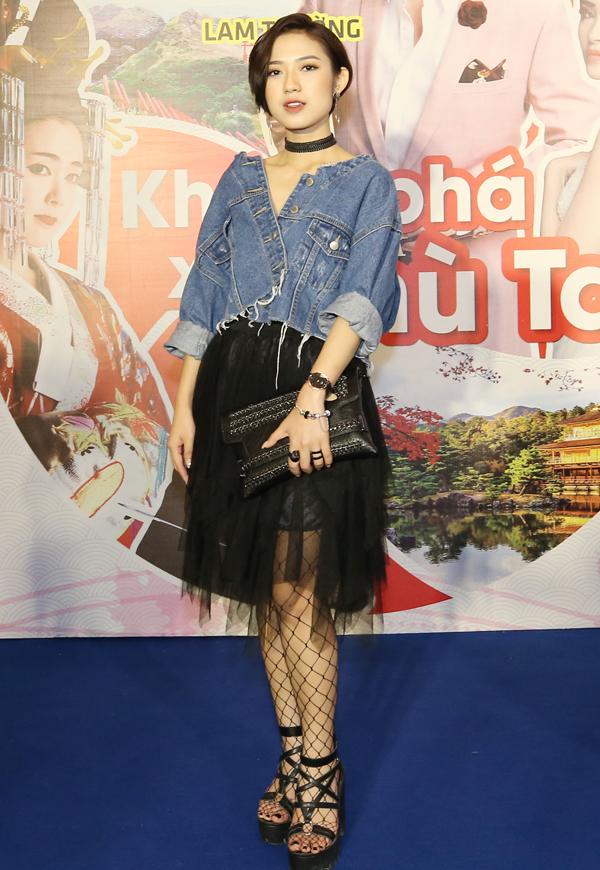 Trang Cherry từng bị khán giả ghét cay ghét đắng khi đóng vai cô con dâu hỗn láo tên Diệp trong phim truyền hình ăn khách Sống chung với mẹ chồng. Hôm 15/7, nữ diễn viên diện trang phục cá tính dự lễ hội văn hóa Nhật Bản tại TP HCM.