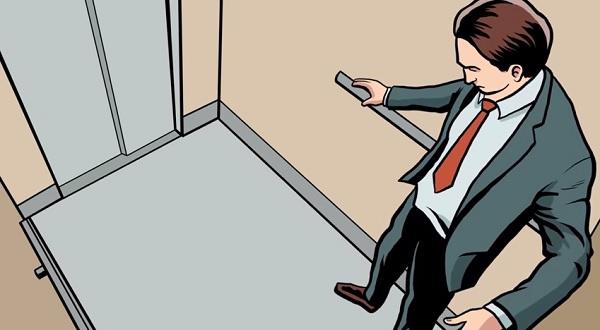 Đứng thẳng sẽ khiến chân chịu áp lực lớn, gây thương tật nghiêm trọng.
