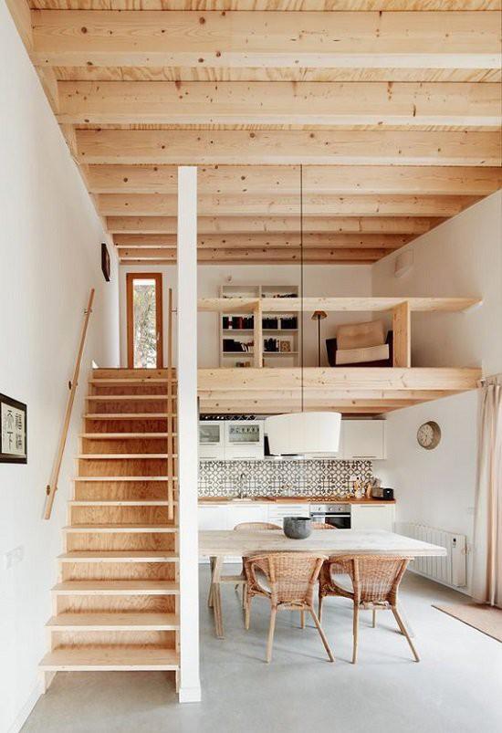 Nhà cấp 4 tràn ngập ánh sáng với tông màu trắng chủ đạo kết hợp với màu nâu nhẹ của đồ dùng bằng gỗ, nứa,...