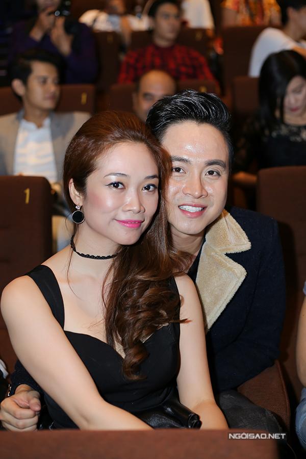 Nhật Tinh Anh hạnh phúc bên bạn gái lâu năm.