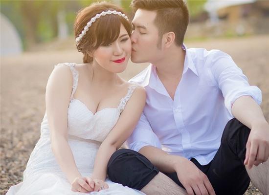 Mai Thỏ hạnh phúc cùng chồng khi chụp ảnh cưới.