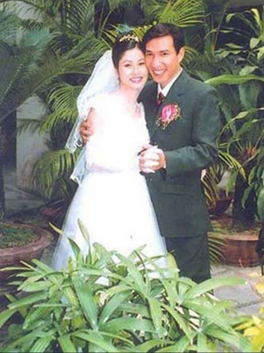 Nghệ sĩ hài Quang Thắng và vợ.