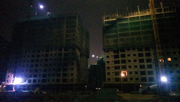 Cận cảnh tòa nhà nơi xảy ra vụ sập giàn giáo khiến 3 người bị thương. Ảnh: Đình Việt