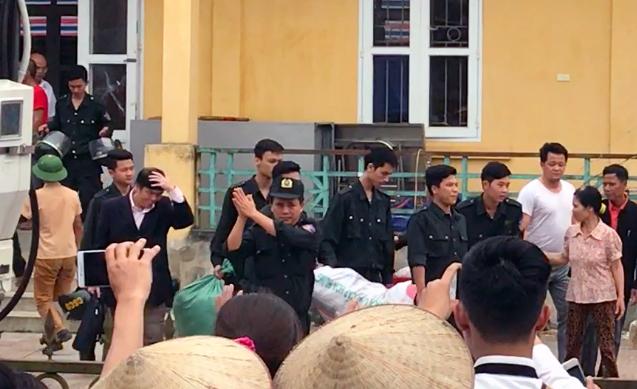 Cán bộ, chiến sỹ bị giữ trái pháp luật được thả vào ngày 22/4 (ảnh tư liệu)