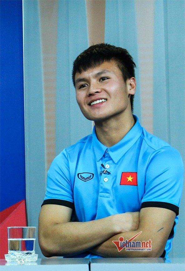 Vẻ điển trai của cầu thủ số 19 Nguyễn Quang Hải.