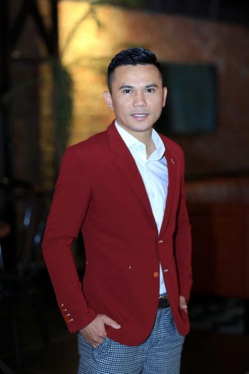 Tú Dưa chia sẻ nhiều tại buổi giới thiệu liveshow kỷ niệm 20 năm ca hát Tiếng yêu cất lời diễn ra cuối tháng 10 tại Hà Nội.