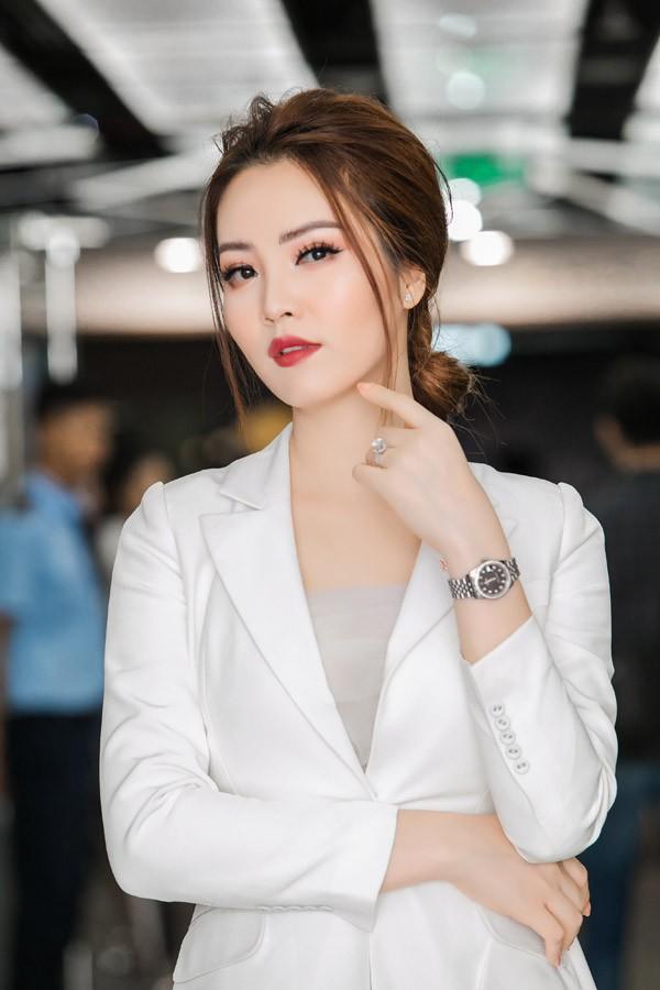 Thụy Vân là một trong những người đẹp Hoa hậu Việt Nam có sự nghiệp MC thành công và cuộc sống hôn nhân viên mãn. Ảnh: Hải Bá.