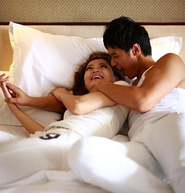 Yêu quá độ gây ra một loạt tác hại khôn lường với sức khoẻ. Ảnh minh hoạ