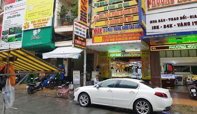 Tiệm vàng Thảo Lực, nơi cơ quan chức năng bắt quả tang vụ mua bán ngoại tệ trái phép.
