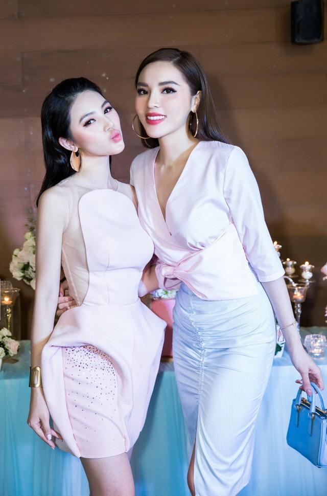 Trước khi rạn nứt tình bạn, Jolie Nguyễn và Kỳ Duyên từng có 3 năm gắn bó bên nhau.