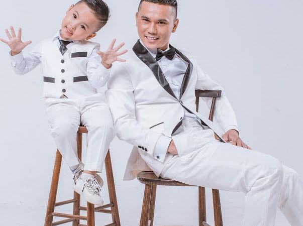 Tú Dưa và con trai út- trái ngọt với người vợ hiện tại, ca sĩ Lam Trang.
