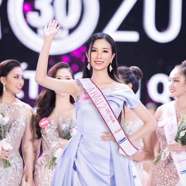 Á hậu 2 Nguyễn Thúy An chỉ cao 1m68 nhưng vẫn giành giải cao. Cô được xem là người đẹp may mắn nhất trong cuộc thi năm nay.