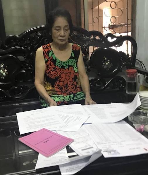 Bà Gái đang trình bày sự việc với PV