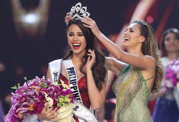Hoa hậu Hhen Niê chia sẻ hình ảnh đăng quang của Miss Philippines kèm với những lời chúc mừng chân thành.