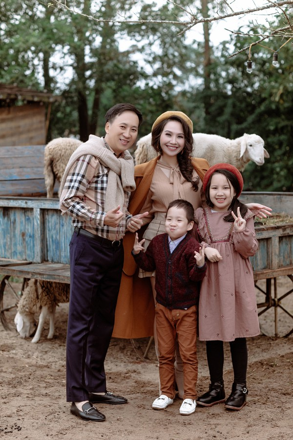 Gia đình hạnh phúc của MC Mỹ Lan.
