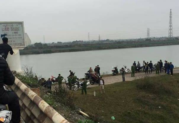 Khu vực gầm cầu Bình, nơi xảy ra sự việc. Ảnh: Người Chí Linh
